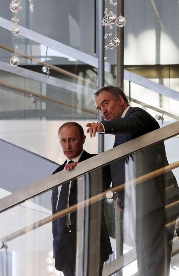 противопожарные лестницы с Путиным