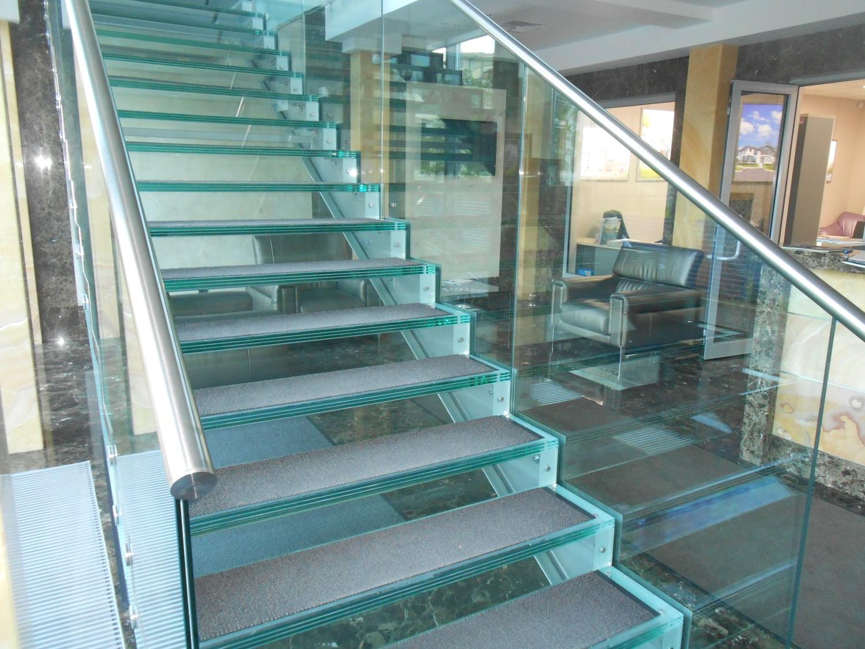 противопожарные лестницы из стекла